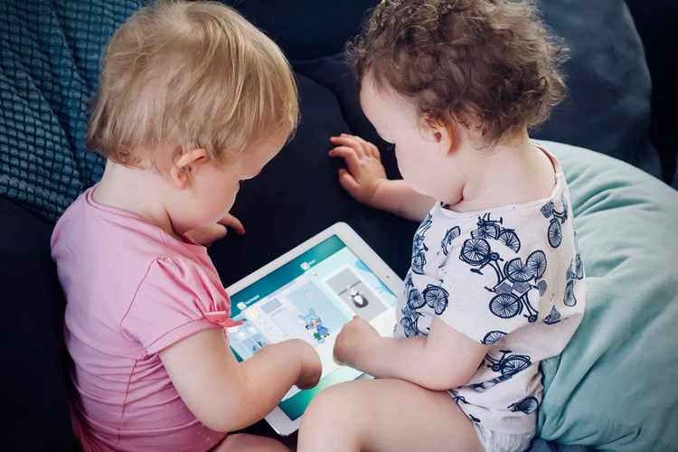 It is very tempting for a parent to hand the iPad to calm a fussy child. While occasionally this may be okay as an instant pacifier, it should not be made into the first resort to avoid a habit being formed.
